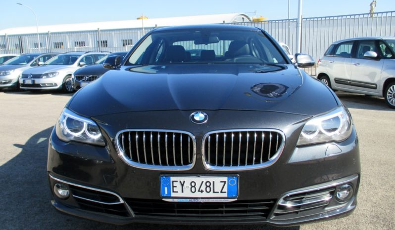 BMW 520d LUXURY 190cv completo